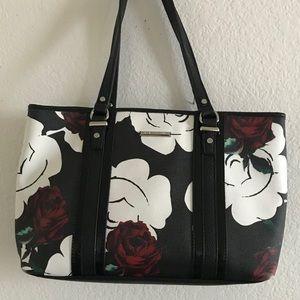 Women's tote- bags